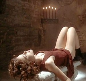embrace of the vampire pic 1