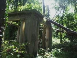 LI ruins King Zogs Castle 6