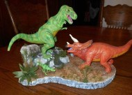 Polar Lights T Rex v Triceratops pic 1