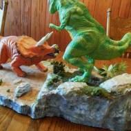 Polar Lights T Rex v Triceratops pic 4