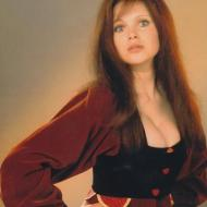 Madeline Smith pic 3