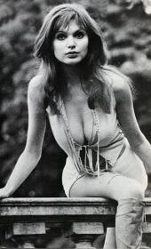 Madeline Smith pic 6