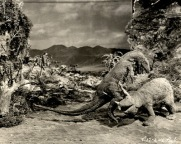 the-lost-world-1925-dinosaur-fight-2