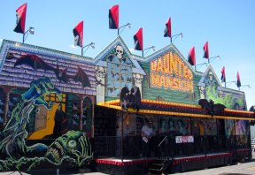 Haunted House Spook Show Rides 2