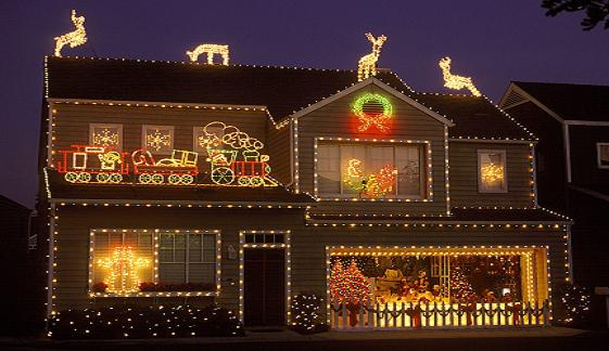 Christmas-Lights-on-the-House