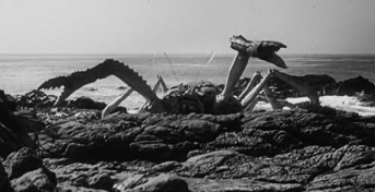 attack of the crab monsters - pic 3