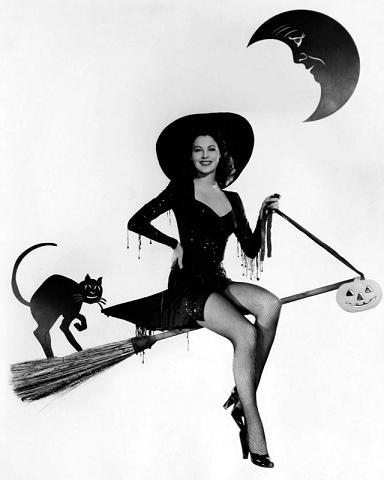 vintage-halloween-pinup-ava-gardner
