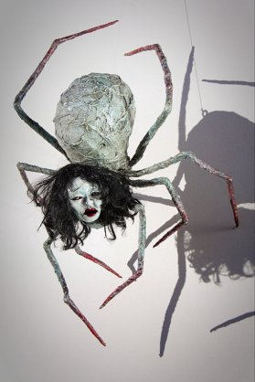 chris-andres-hanging-spider-sculpt